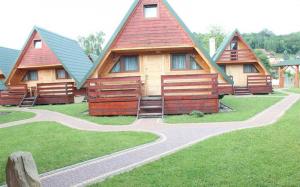 Całoroczne domki noclegowe nad Soliną - Bieszczadzka Osada